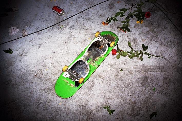 http://www.dennisduijnhouwer.com/files/gimgs/11_skateboard01c.jpg