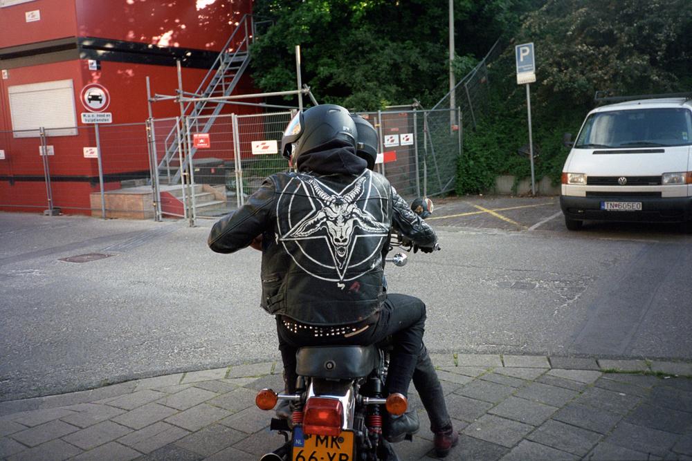 http://www.dennisduijnhouwer.com/files/gimgs/137_baphomert-atjeh01b.jpg