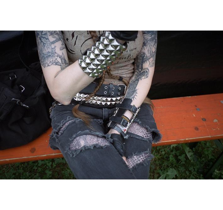 http://www.dennisduijnhouwer.com/files/gimgs/137_rockpak-voidfest-site.jpg