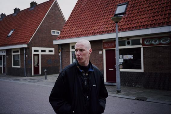 http://www.dennisduijnhouwer.com/files/gimgs/14_iemand25b.jpg