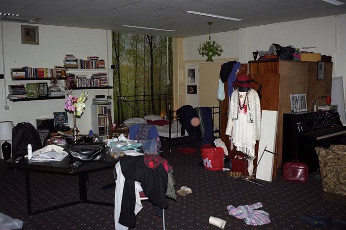 http://www.dennisduijnhouwer.com/files/gimgs/90_eline-kamer01c.jpg